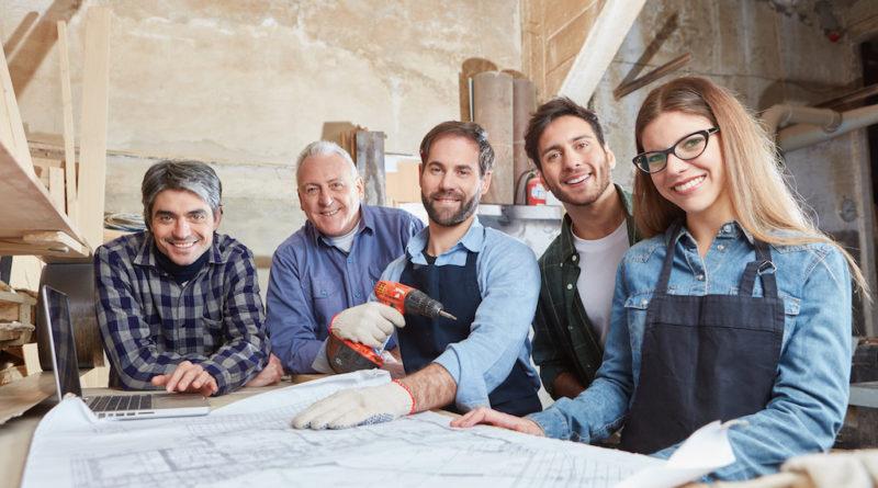 Welche Handwerker brauche ich um ein Haus zu bauen?